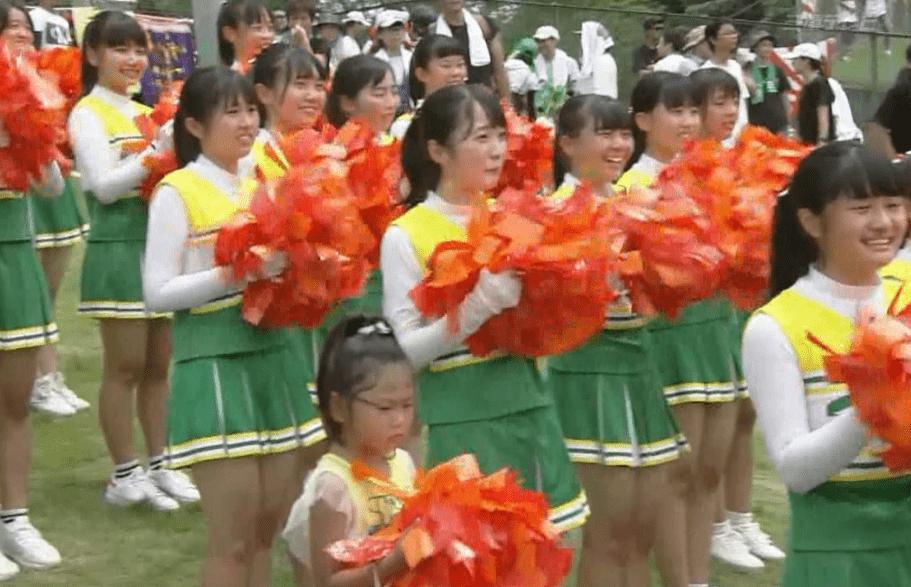 津田学院 チアガール