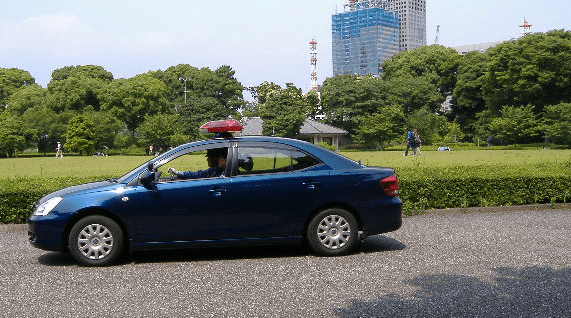 皇宮警察の警備車両